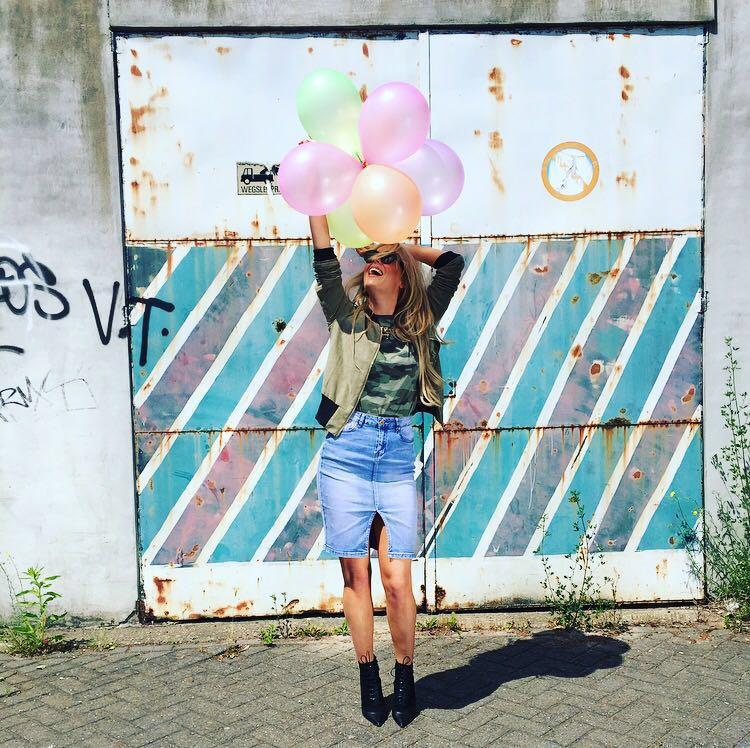 stylelovers-balloon-bombers-fashion